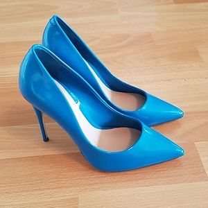 Blue shiny Aldo stilettos